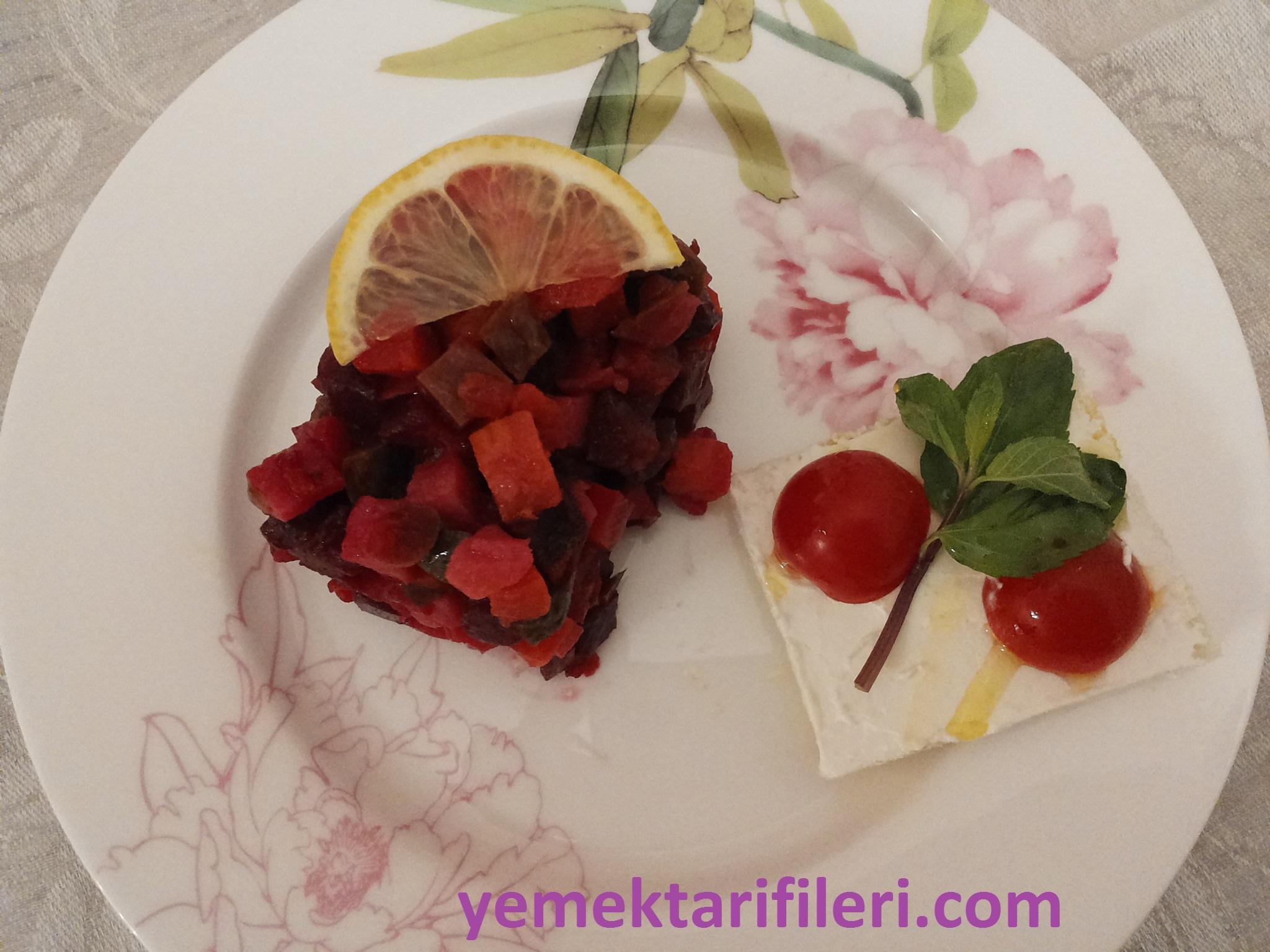 Garnitürlü Pancar Salatası Tarifi