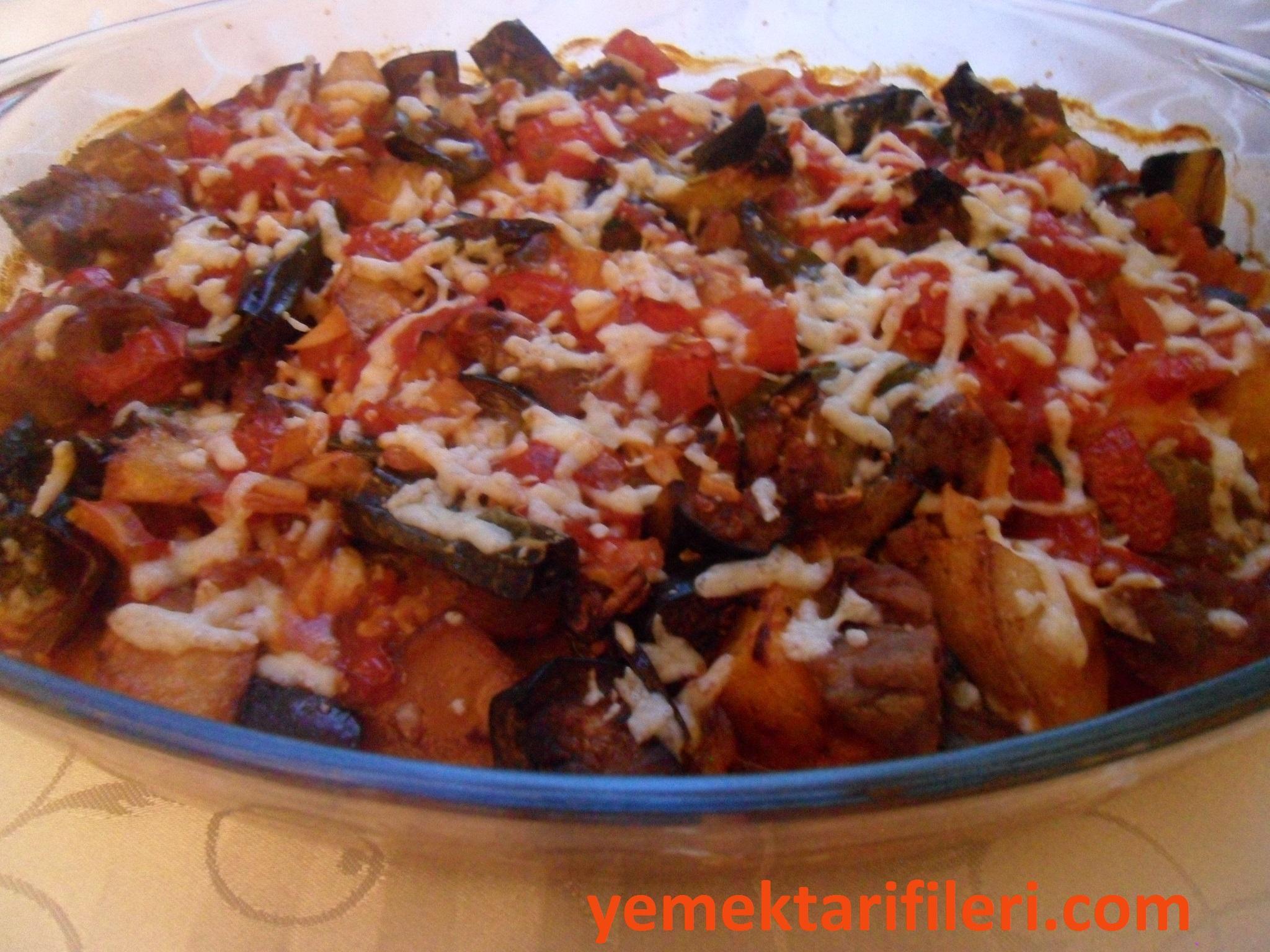 Fırında Etli Patlıcan Tarifi