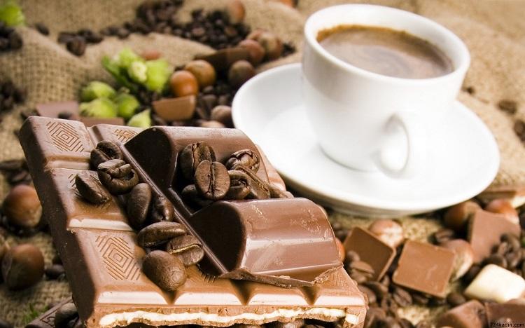 cikolatali-turk-kahvesi-nasil-yapilir